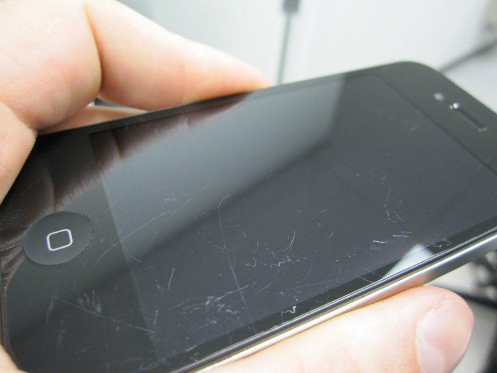 Eliminare graffi dallo schermo dell'iPhone