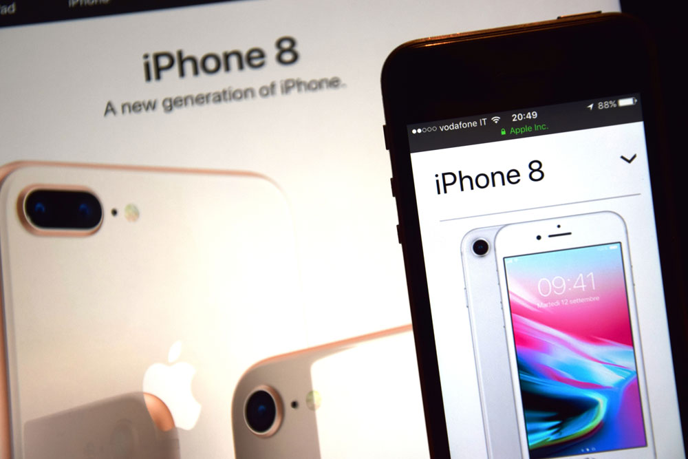 copiare la rubrica da iphone 8 Plus a sim