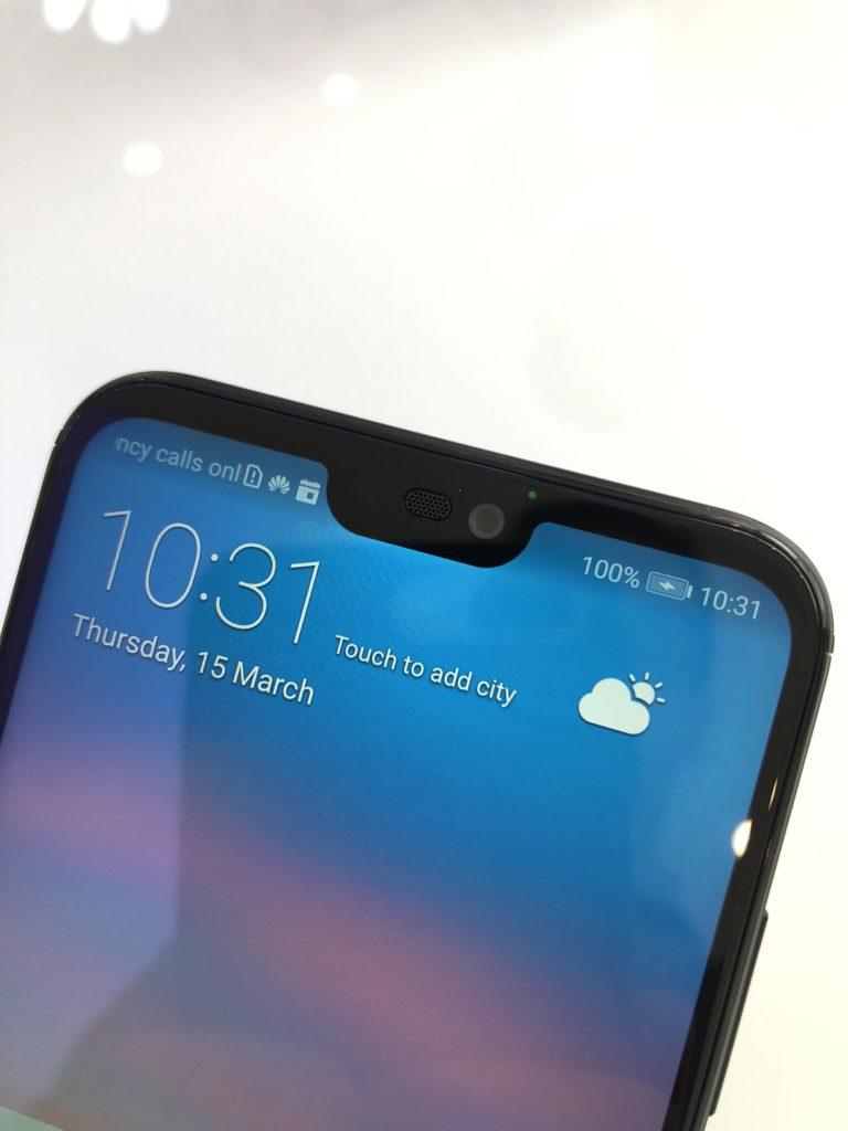 Come eliminare l'effetto notch su Huawei P20 Lite